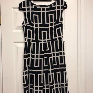 Maggie London geometric cap dress